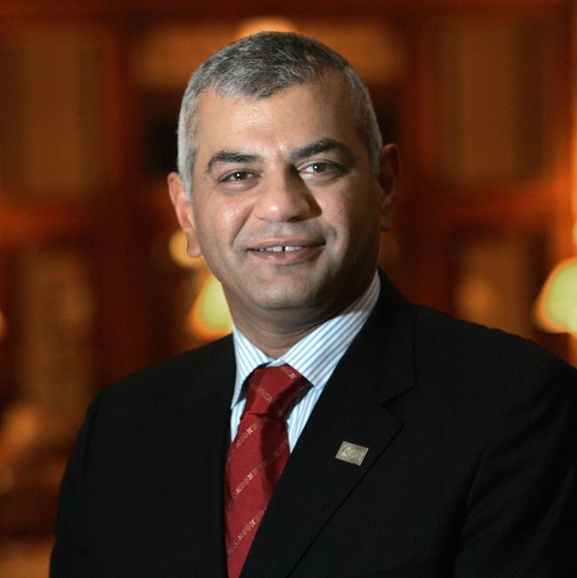 أول عربي كعضو مجلس إدارة للأكاديمية الأمريكية لطب العيون