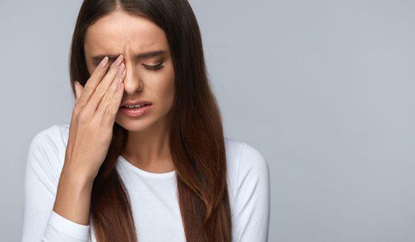 أعراض إنفصال الشبكية والعلاج المناسب لها