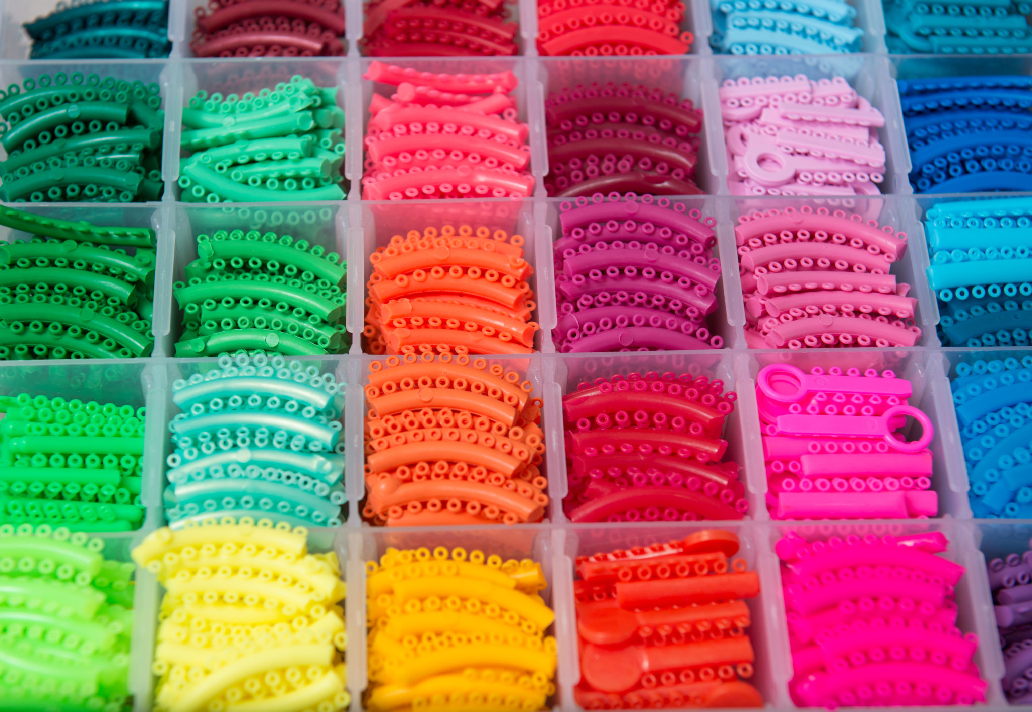 Choose the perfect orthodontic colors