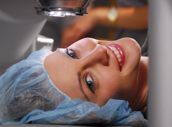 ليزك (مميزات العملية – شروط إجرائها – النتائج المتوقعة بعد الجراحة)
