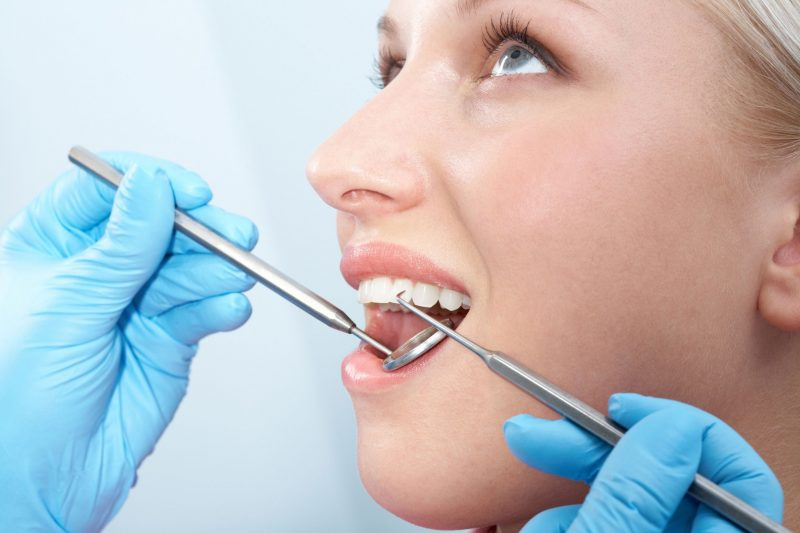 تعرف علي طرق علاج الاسنان وتنظيفها لتجنب التسوس