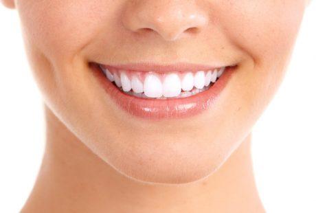 تعرف على أهم الإرشادات اللازمة عند استخدام ليزر تبييض الاسنان