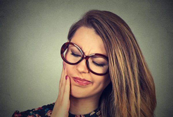 علاج العصب الاسنان (التشخيص – الأسباب – الأعراض – طرق العلاج)
