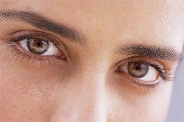 تعرف على المياة البيضاء بالعين وأسباب ظهورها وأنواعها