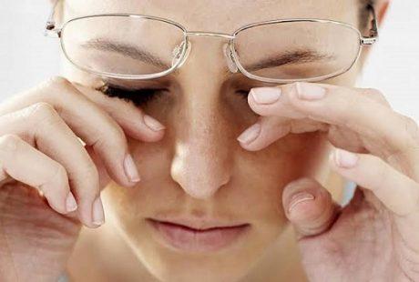 بالطرق الحديثة | تعرف على كيفية التخلص من ارتداء نظارات طبية