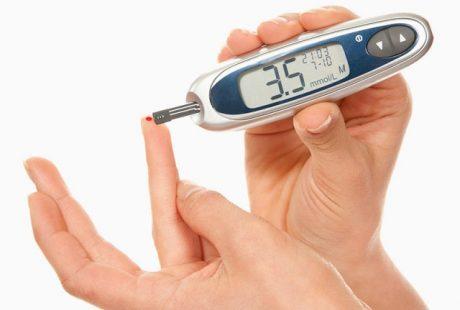تعرف على كيفية قياس نسبة السكر العشوائي في الدم
